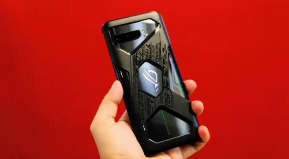 华硕ROG Phone 3评测 确实让所有人感到惊讶