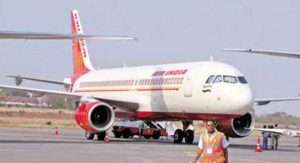 印度航空飞行员工会由于利益冲突而反对继续担任董事