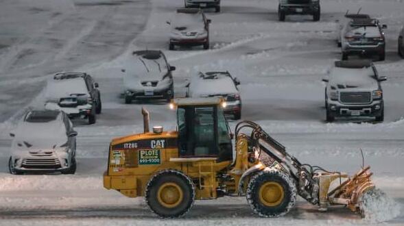 暴风雪袭来 航空公司取消了纽约市大部分地区的航班