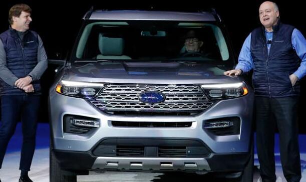 福特首席执行官承诺采取行动的年因为他将加快公司的重组和向电动汽车的过渡