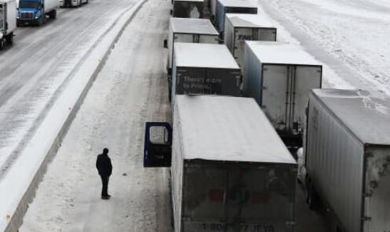 卫生官员说冬季风暴已经推迟了在美国运送600万剂当前局势疫苗