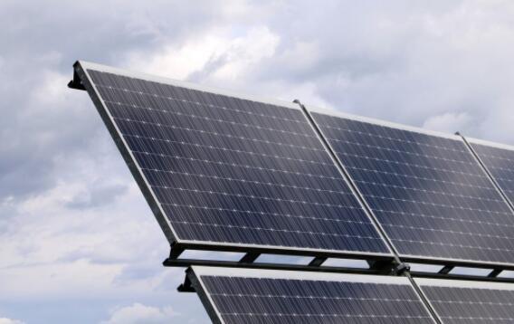 屋顶大型太阳能无传感器故障检测方法