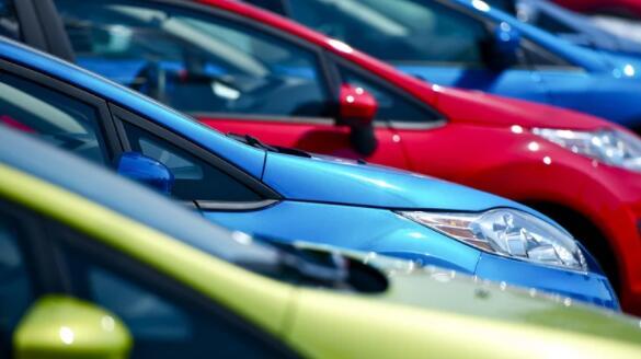 与2020年3月相比 上个月的新车销量增长了54%