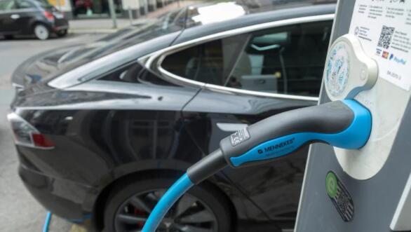 爱尔兰交通部将削减一些电动和混合动力汽车的激励计划