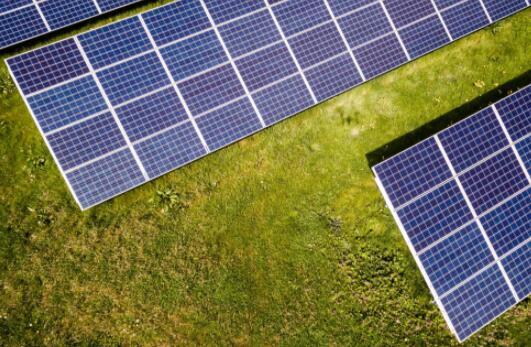 Irico强调太阳能电池板玻璃制造商的繁荣时期