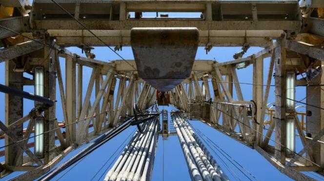 随着需求改善和供应收紧 导致油价上涨