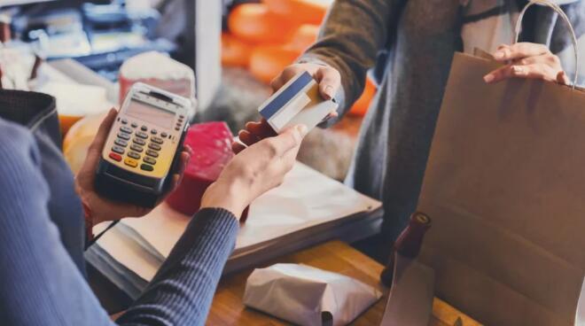 爱尔兰寻找本地活动敦促消费者支持他们的本地业务