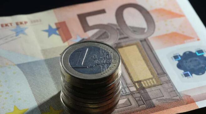 爱尔兰财政咨询委员会主席对政府计划赤字接近3%的担忧