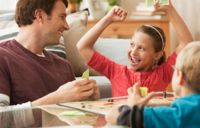 收入飙升54%后投资者应该购买孩之宝股票吗