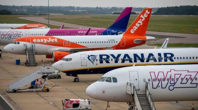 EasyJet竞标开始争夺廉价航空公司的霸主地位